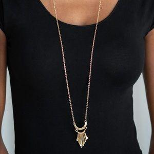 Trendsetting Trinket gold necklace